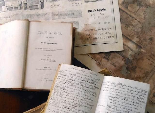 """Prorogata fino al 26 marzo la mostra """"Etruschi à la carte. Libri e documenti dal 700 all'800"""""""