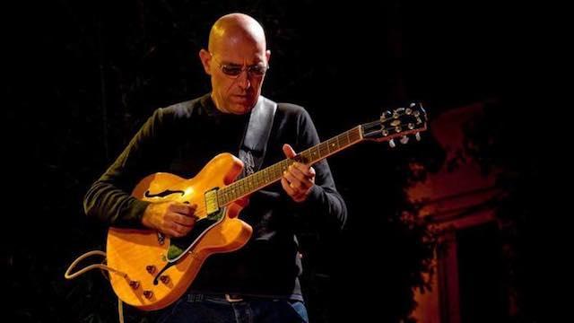 In Piazza Biondini Fabio Zeppetella chiude il Tuscia in Jazz Festival