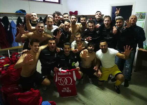 Maglia celebrativa a Daniele Serranti, 500 volte insieme all'Usd Fabro