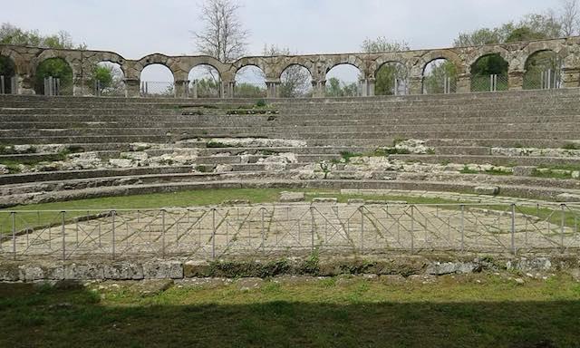 Nuovi interventi di pulizia a Ferento. Area archeologica aperta per il Ponte