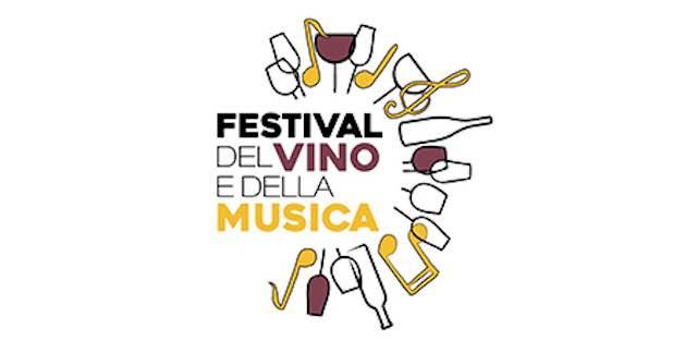 Il Festival del Vino e della Musica inebria le vie del borgo