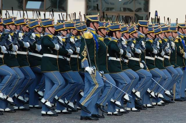 Fiamme Gialle in festa per il 243esimo anniversario della fondazione del Corpo della Guardia di Finanza