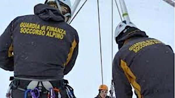 La Guardia di Finanza cerca 33 tecnici di soccorso alpino