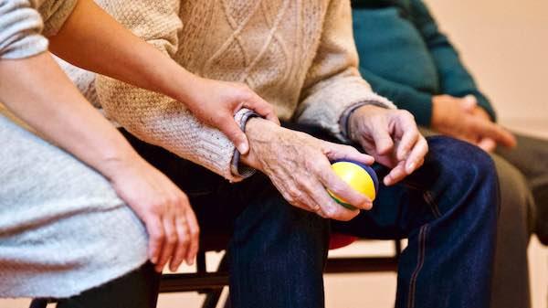 Quasi 3,7 milioni di euro a sostegno di minori, anziani, famiglie vulnerabili e non autosufficienza