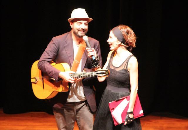 """Tiziana Foschi e Piji al Teatro Boni con """"Cibami"""". La società raccontata attraverso il cibo"""