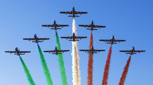 """""""Air Show"""". Tre ore di spettacolo con le Frecce Tricolori sul Lago di Bolsena"""
