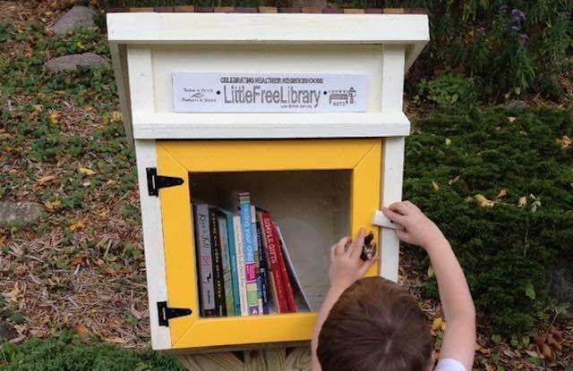 """""""Little Free Library"""" al Prato Giardino. Se l'arnia delle api si fa casetta per i libri"""