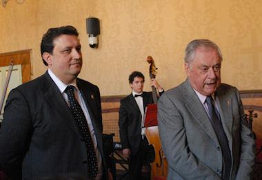 """""""Natale Insieme"""", tradizionale concerto e cerimonia degli auguri presso la Sala Unità d'Italia del Palazzo Comunale"""
