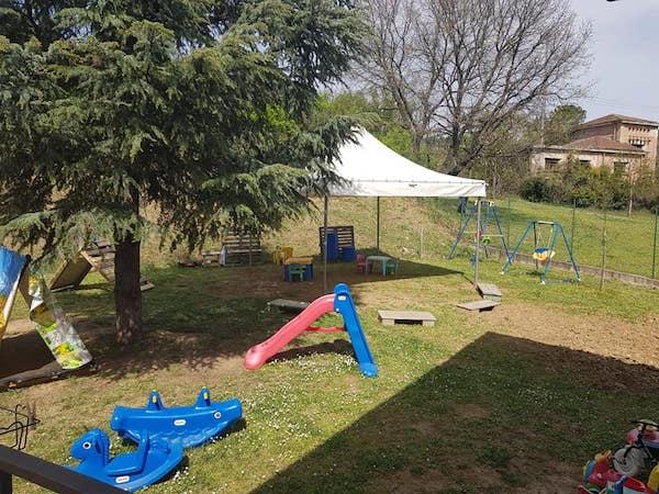 """Installato un gazebo per le attività all'aperto all'Asilo Nido """"Il Grillo Parlante"""""""