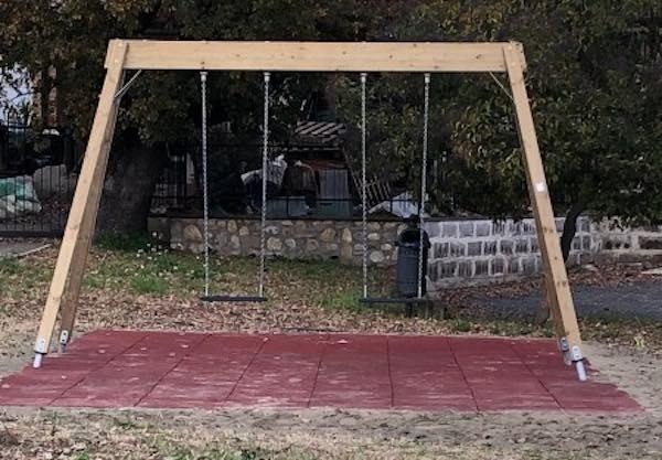 Nuovi giochi per i più piccoli nelle aree verdi di Pianlungo, Viceno e Monterubiaglio