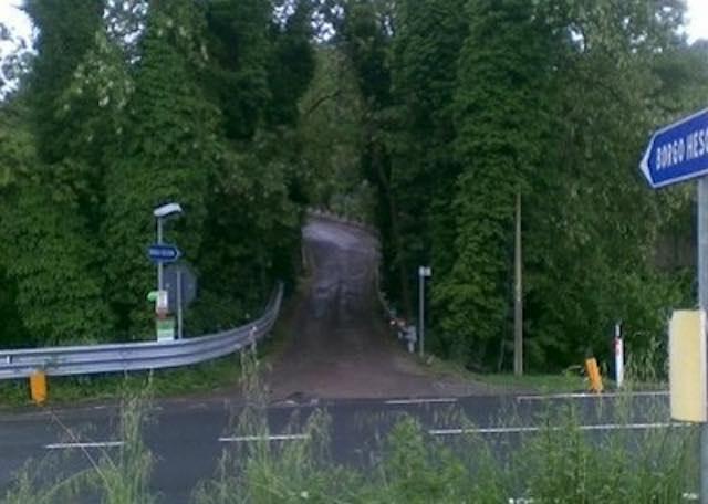 Incrocio per l'accesso al Borgo Hescana, Bonino presenta la mozione