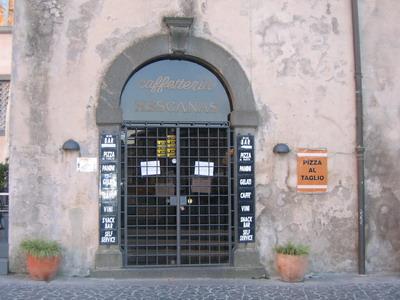 Chiuso dai Carabinieri del NAS il Bar Hescanas. Irregolarità nella conservazione di alcuni alimenti e insetti nel locale