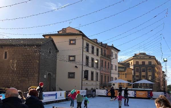 """""""Ice Park Viterbo"""". La campionessa Chiara Censori inaugura la pista di pattinaggio"""