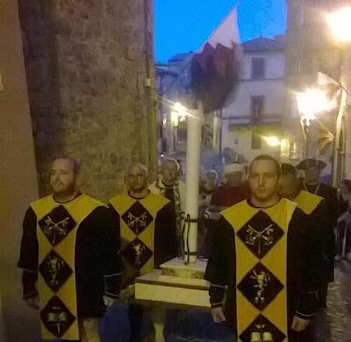 """Via alle rievocazioni storiche monteleonesi, si inizia con """"La Notte delli Luminari"""""""