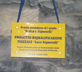 """Inaugurato il nuovo impianto di illuminazione esterna della scuola media """"Luca Signorelli"""""""