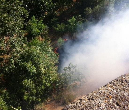 Incendio alla Veritas di Fusina, fumo nero da un capannone