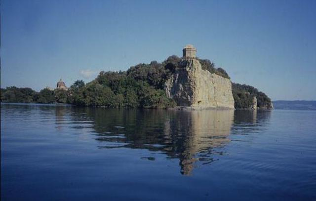 """""""Vivere sul lago. La pesca ed i pescatori del Lago di Bolsena"""""""