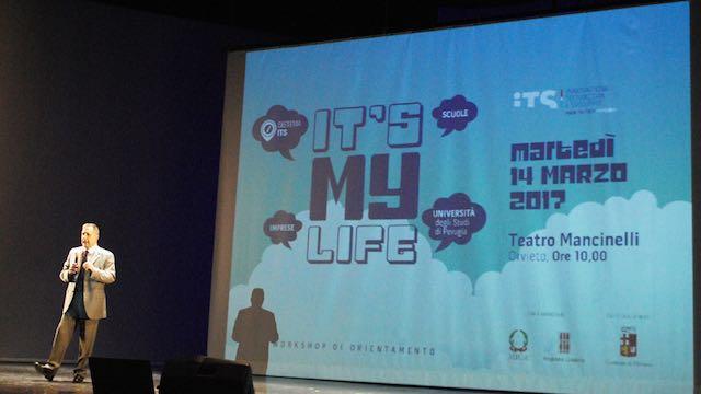 """""""It's my life"""". Workshop di orientamento per studenti al Teatro Mancinelli"""