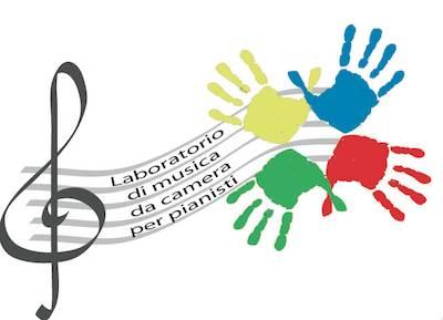 I pianisti del laboratorio QuattroMani della Scuola di Musica sul palco del S.Cristina