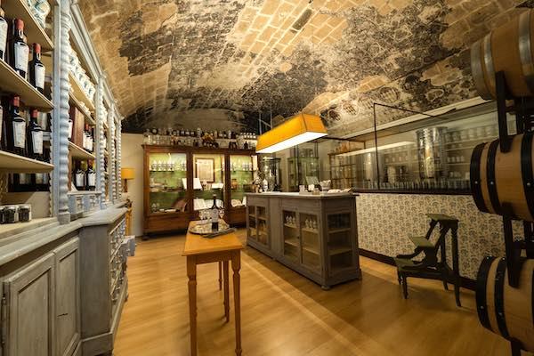 """Nel Laboratorio de """"L'Orvietan"""", dove si respira il profumo della storia"""