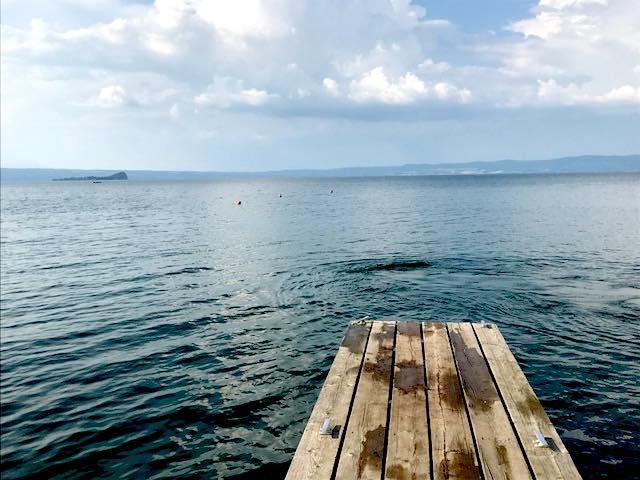 """""""Parlando Sognando"""" in barca al tramonto. Miti e leggende sul Lago di Bolsena"""