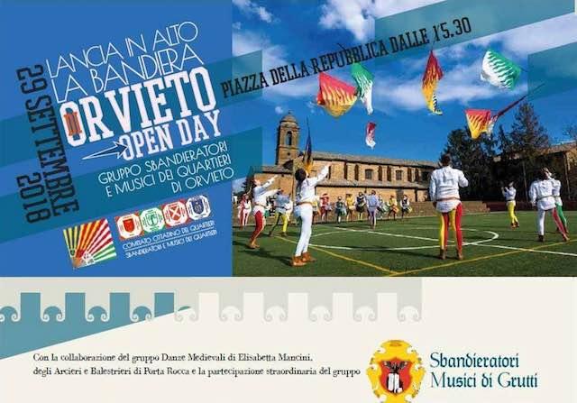 """""""Open Day"""" in Piazza della Repubblica con il Gruppo Sbandieratori e Musici dei Quartieri"""