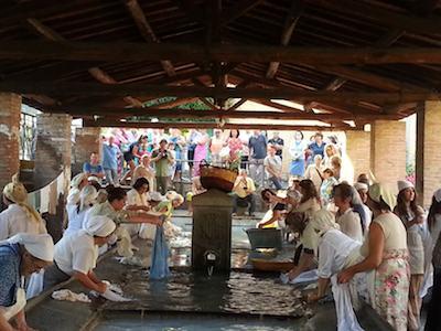 La Compagnia delle lavandaie festeggia il suo primo compleanno partecipando a Di Tuscia un po'