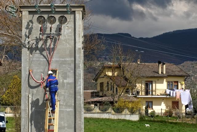 Enel attiva nuove linee elettriche interrate e rinnova cabine, più energia per il territorio