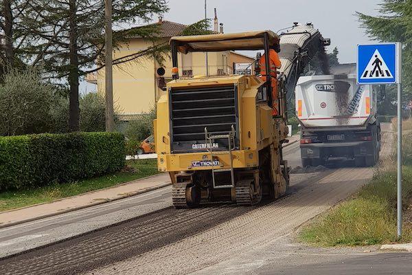Il rifacimento degli asfalti prosegue sulla variante di Montegabbione