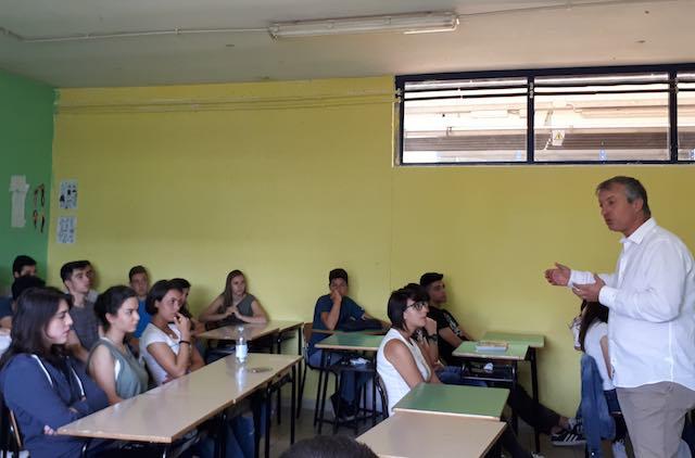 """Gli studenti del """"Dalla Chiesa"""" incontrano Alessandro Maurizi per parlare di legalità e lotta alla mafia"""