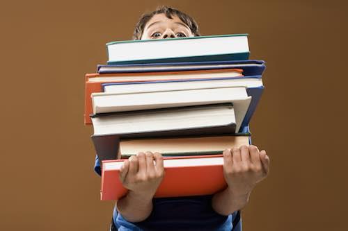 """Mamme e bimbi in biblioteca per """"Giocare con i libri"""" con """"I colori dell'arte"""""""