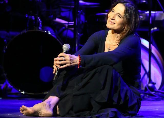"""Lina Sastri si racconta al Teatro Mancinelli con """"Appunti di viaggio. Biografia in musica"""""""