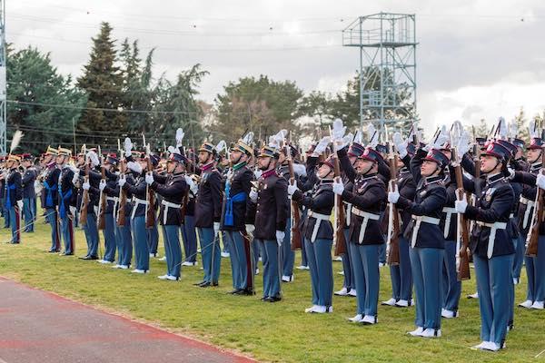 """Esercito, 109 allievi marescialli del XXI Corso """"Esempio"""" gridano """"Lo giuro!"""""""