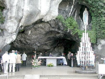 Nubifragi nel sud-ovest della Francia. Torna in anticipo il gruppo di pellegrini orvietani partiti per Lourdes