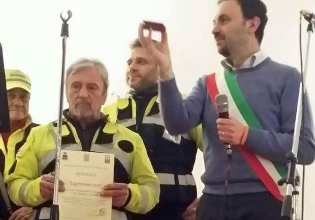 """Serata di beneficenza per le scuole. Presentato il premio """"Scrittori in erba"""" in memoria di Loredana Santacroce"""