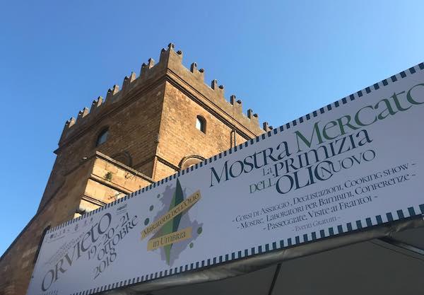 Maratona dell'Olio 2018, si parte. Via alla mostra mercato della primizia dell'olio nuovo
