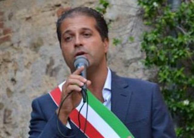 """Ultimo consiglio comunale per Marco Galli. """"Onorato di essere stato sindaco"""""""