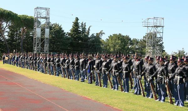 Consegnati i gradi ai 157 nuovi marescialli dell'Esercito