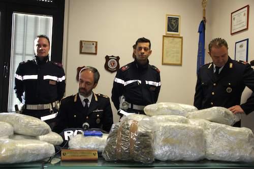 Sorpreso con 30 chili di marijuana lungo l'A1 e arrestato dalla polstrada di Orvieto