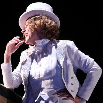 Marlene Dietrich, trionfi e tramonto di una diva in scena al Mancinelli