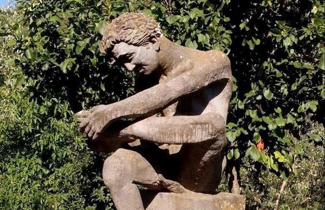 La statua di Marzio ritorna in Piazza Umberto I