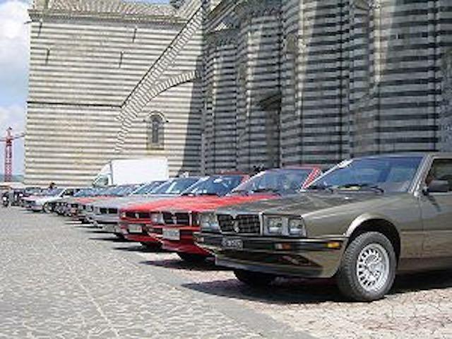 Maserati in Piazza Duomo, c'è il raduno annuale