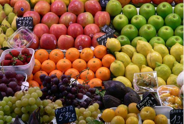 Ritorno alla tradizione, di nuovo in Piazza della Vittoria il mercato settimanale