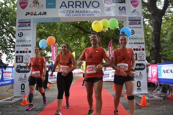 Oltre 900 runners corrono alla Mezza Maratona del Lago di Vico