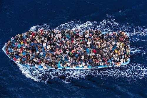 """""""Falsi miti. Storie di migranti oltre i luoghi comuni e le fake news"""""""