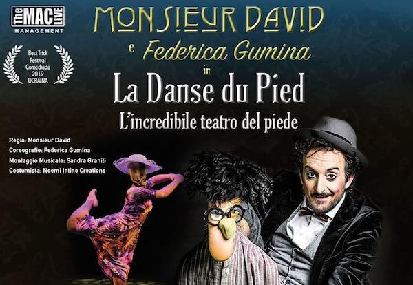 Monsieur David al Petrolini per uno spettacolo di Halloween...fatto con i piedi