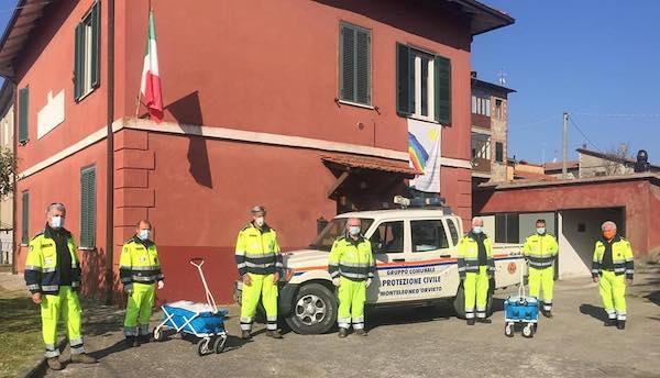 A Monteleone d'Orvieto la Protezione Civile consegna due mascherine a famiglia