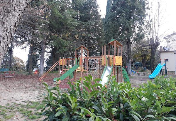 Covid-19, sette positivi a Monteleone d'Orvieto. Chiuse scuole e aree verdi