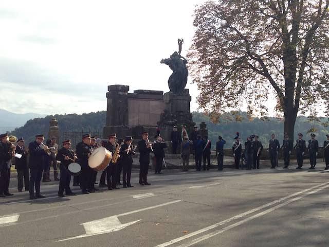 Cerimonia solenne nella Giornata delle Forze Armate