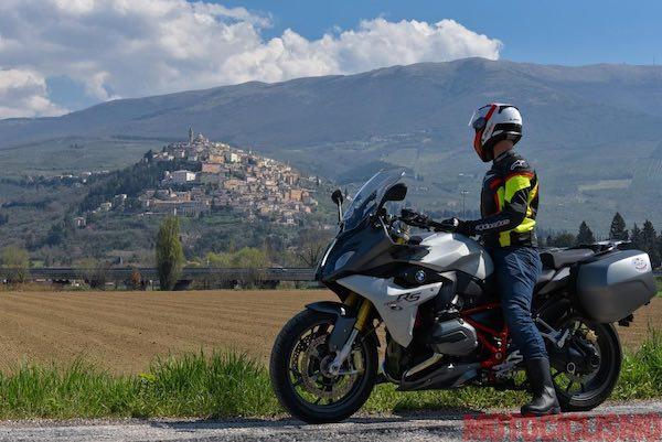 """In moto nel cuore verde d'Italia. """"Wonder Umbria"""" fa tappa nei borghi più belli"""